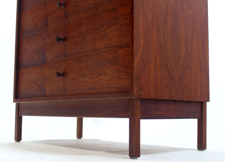 American Mid Century Modern Walnut Four Drawer Bachelor Dresser For Sale