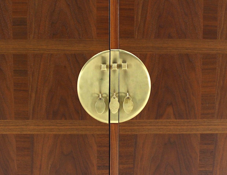 Baker Mid-Century Modern Long Walnut Dresser Brass Hardware Pulls For Sale 3