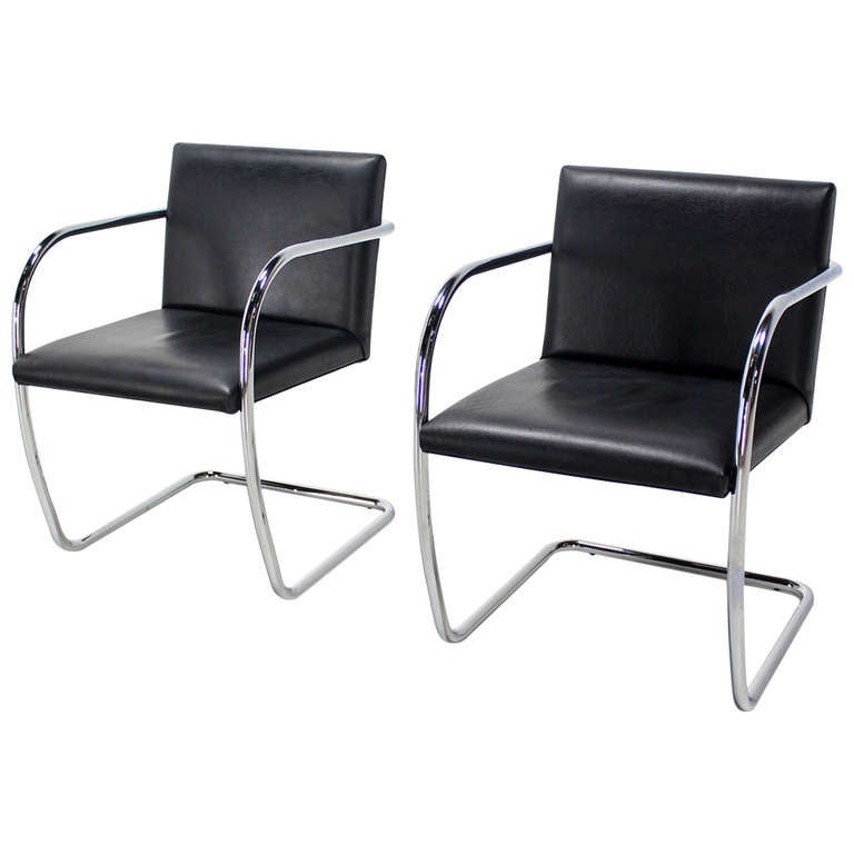New Pair of Mid-Century Modern Leather and Chrome Brno Chairs, Bauhaus  YZ76