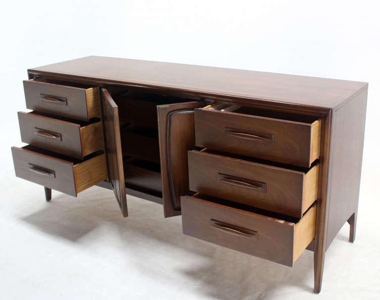 American Mid-Century Modern Long Walnut Credenza Dresser For Sale