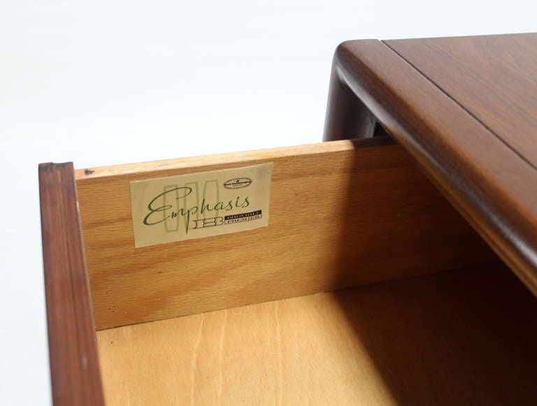 Nice 1960s Mid-Century Modern long walnut credenza dresser.