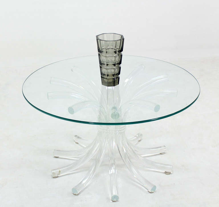 Mid century modern lucite sunburst base with round glass for Cuir center table basse