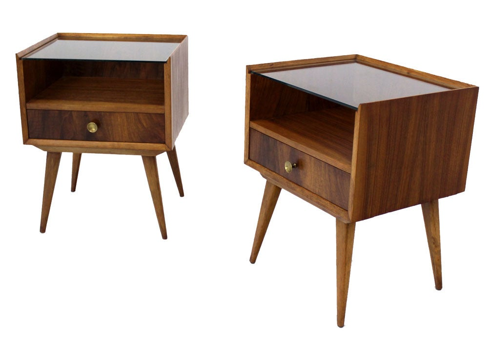 Pair of swedish mid century modern end tables at 1stdibs for Modern accent tables
