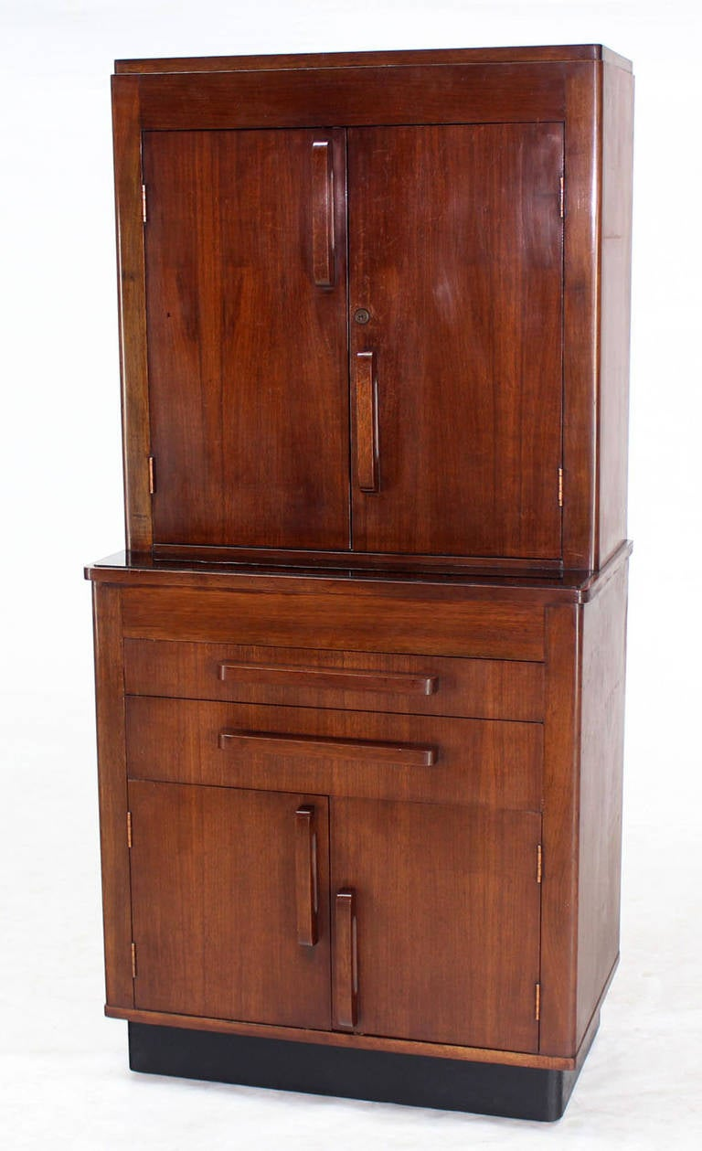 art deco walnut dental medicine cabinet for sale at 1stdibs. Black Bedroom Furniture Sets. Home Design Ideas