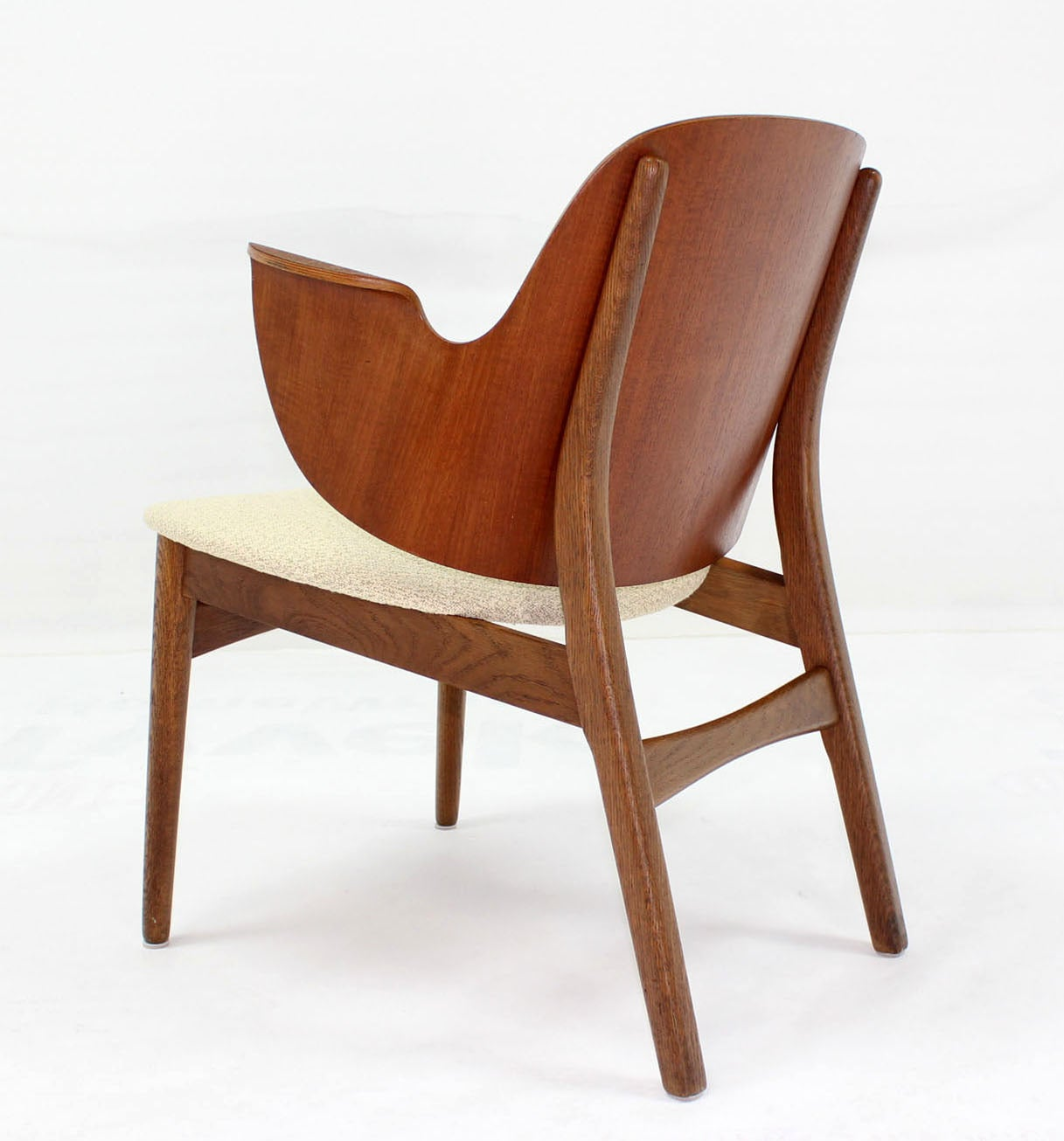 Mid-Century Modern Molded Plywood Barrel Back Armchair New Upholstery. In Excellent Condition For Sale In Blairstown, NJ