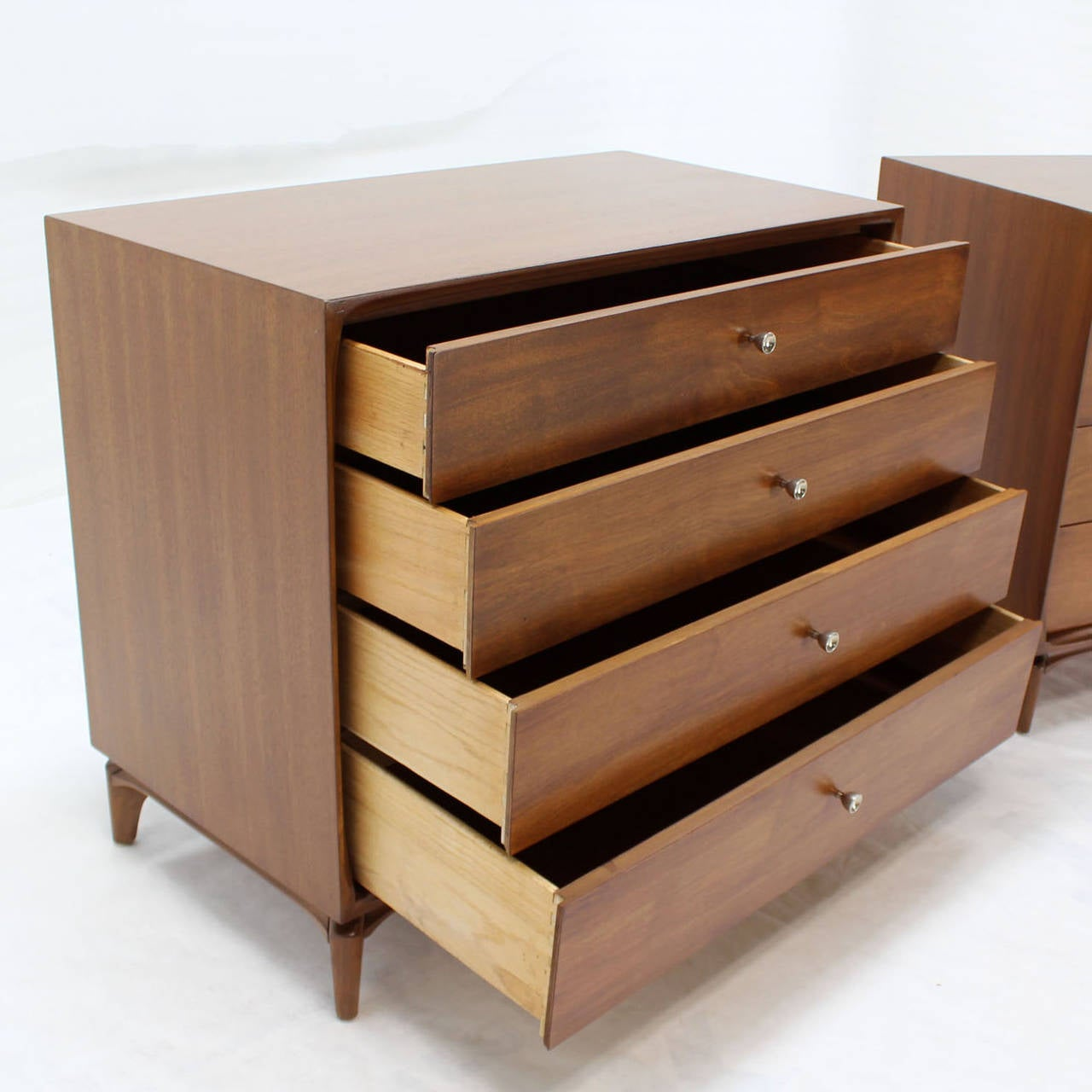 Pair of Mid-Century Modern Walnut 4 Drawer Bachelor Chests or Dressers In Excellent Condition For Sale In Blairstown, NJ
