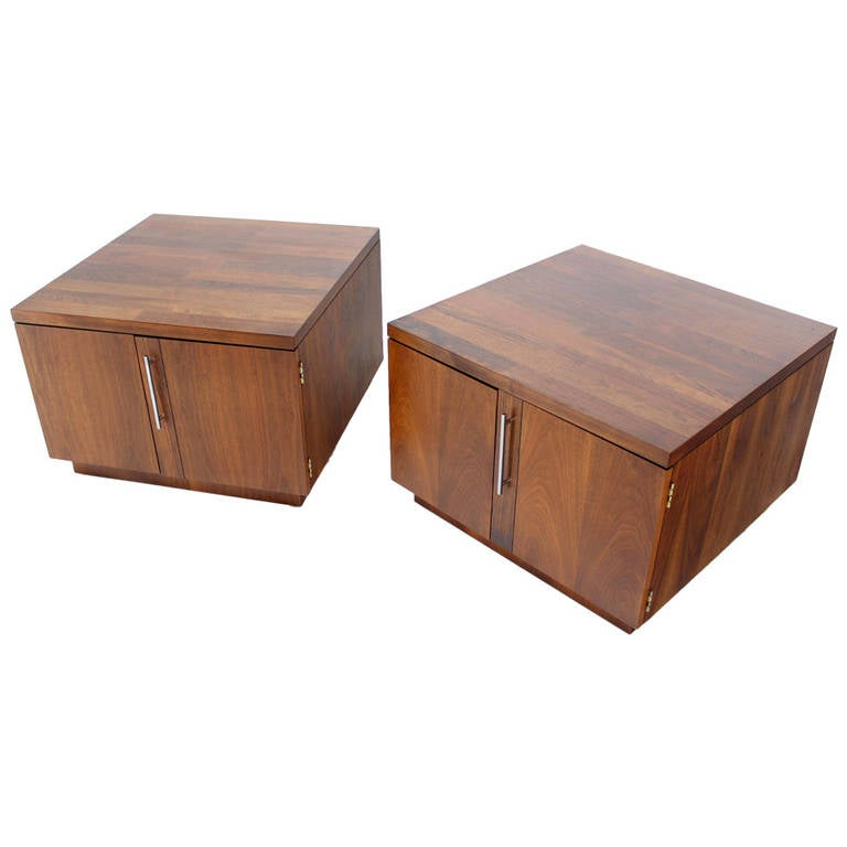 Pair of Mid-Century Modern Cube Shape End Table Cabinets in Rosewood Walnut