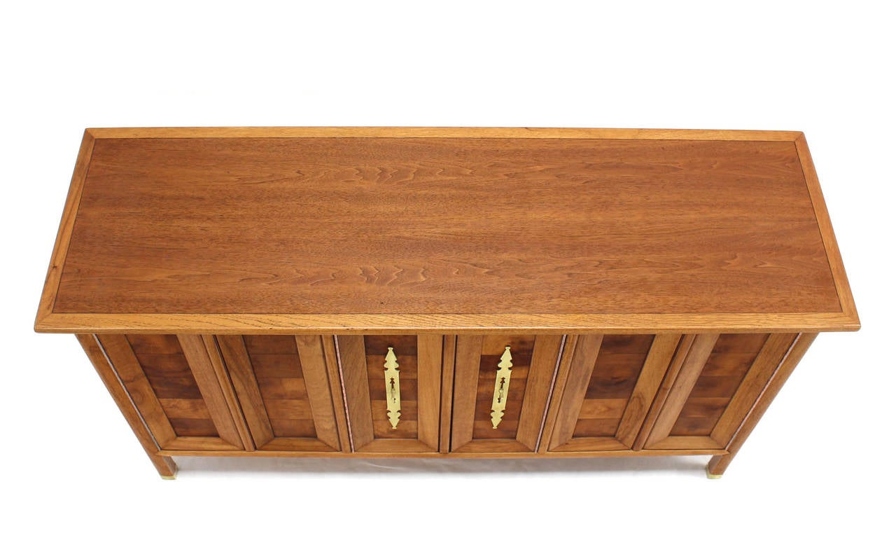 Lacquered Mid-Century Modern Dresser Credenza with Folding Doors Brass Hardware For Sale