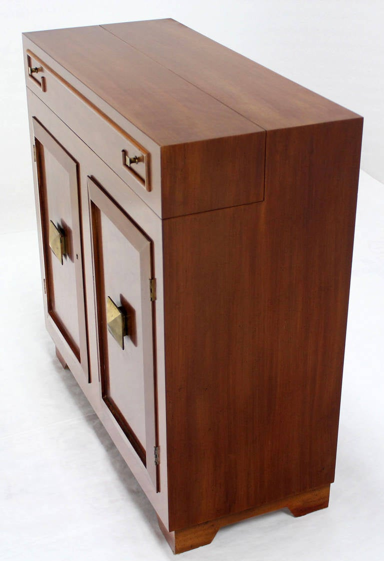 art deco mid century modern refrigerated bar liquor cabinet at 1stdibs. Black Bedroom Furniture Sets. Home Design Ideas