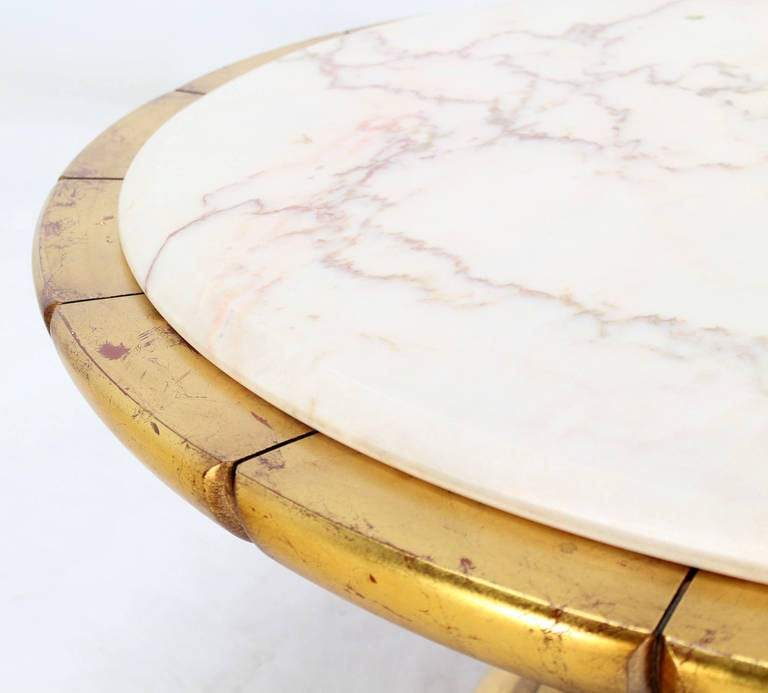 Https Www 1stdibs Com Furniture Tables Coffee Tables Cocktail Tables Hollywood Regency Gold Leaf Round Onyx Top Coffee Table Id F 1295370