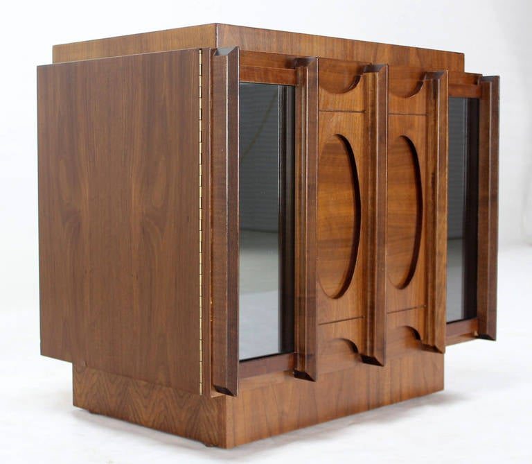 Mid-20th Century Mid-Century Modern Oiled Walnut Night Stand or End Table For Sale