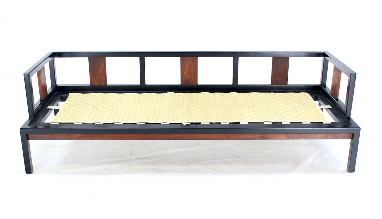 Ebonized walnut frame mid century modern daybed at 1stdibs for Mid century modern day bed