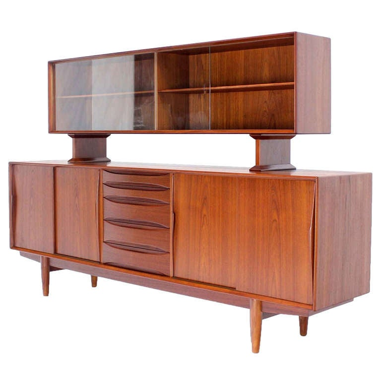 Beau Danish Mid Century Modern Teak Credenza Hutch Dresser For Sale