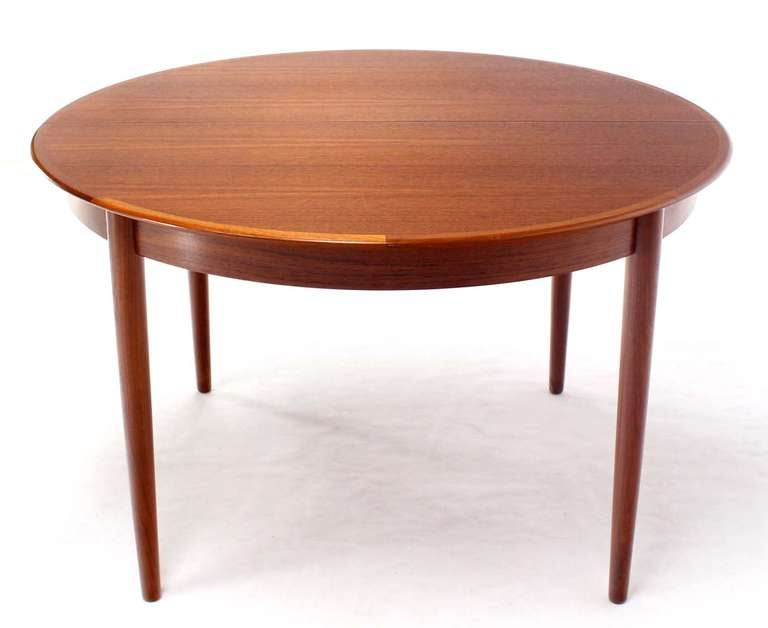 danish mid century modern round teak dining table with three leaves for sale at 1stdibs. Black Bedroom Furniture Sets. Home Design Ideas
