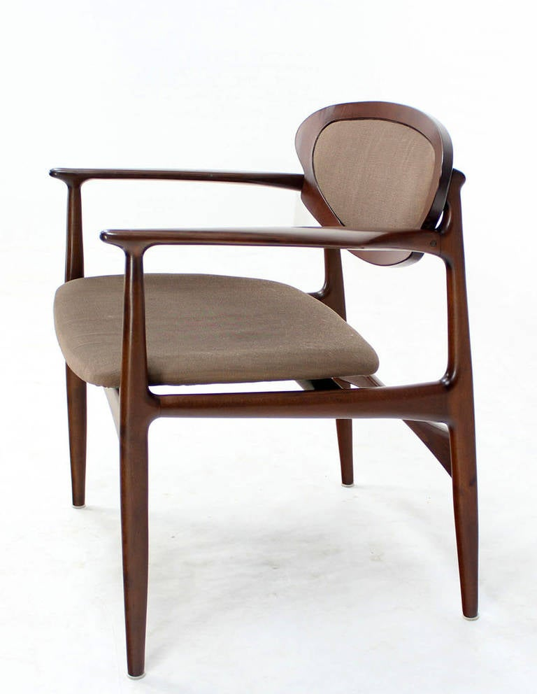 extra wide mid century danish modern lounge chair by selig. Black Bedroom Furniture Sets. Home Design Ideas