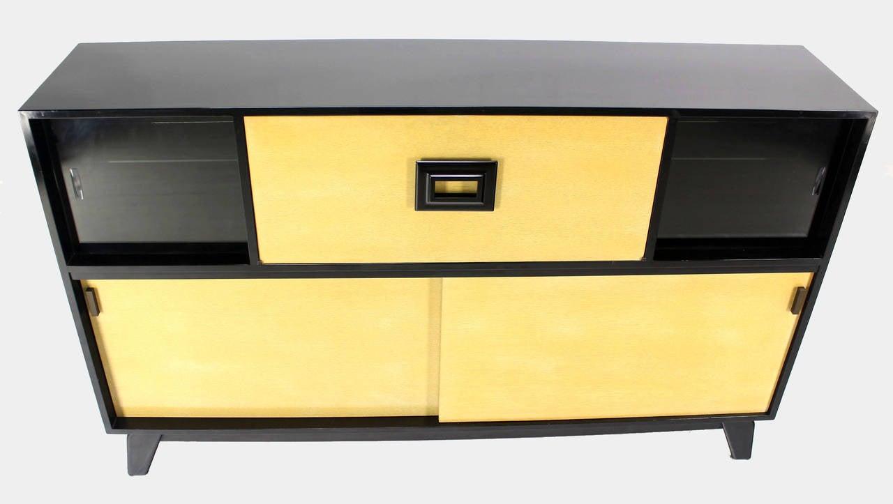 Wood Mid Century Modern Credenza Black Lacquer Gredenza Bar Liquor Cabinet For Sale