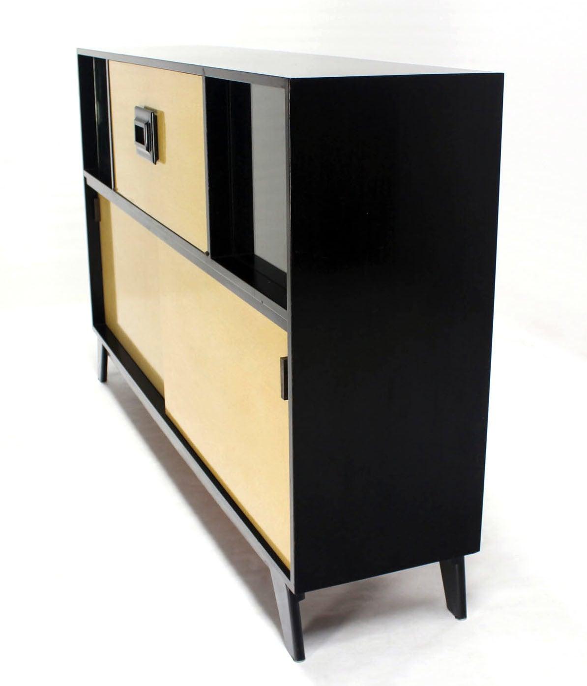 American Mid Century Modern Credenza Black Lacquer Gredenza Bar Liquor Cabinet For Sale