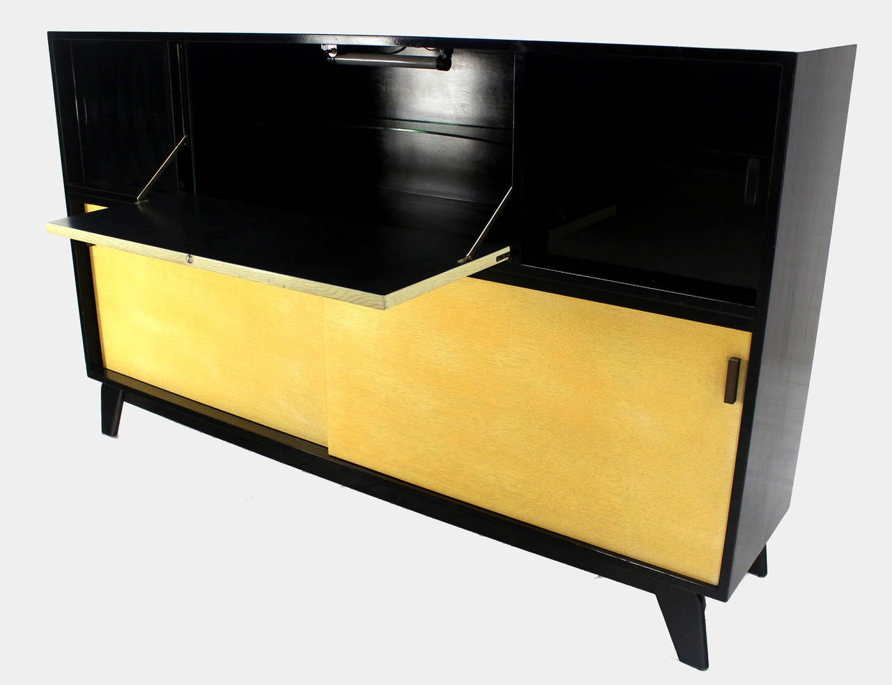 Mid Century Modern Credenza Black Lacquer Gredenza Bar Liquor Cabinet In  Excellent Condition For Sale In