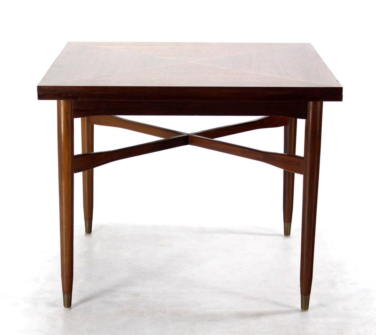 Walnut-Top with Brass Inlay, Mid-Century Modern Expandable Game Table In Excellent Condition In Rockaway, NJ