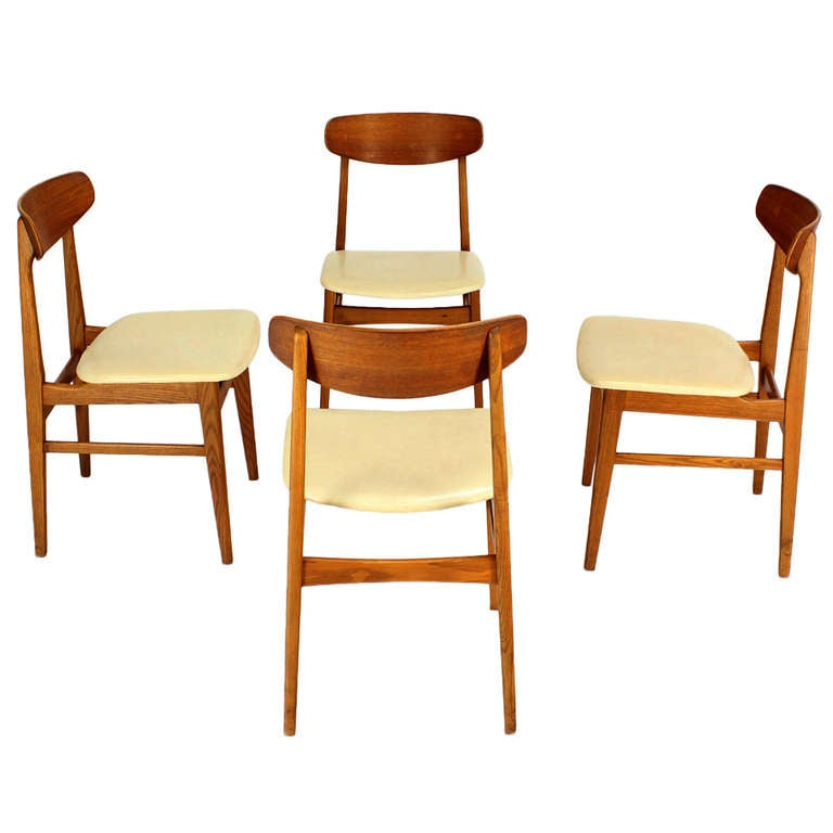 Set of 4 danish mid century modern dining chairs at 1stdibs for Retro modern dining chairs