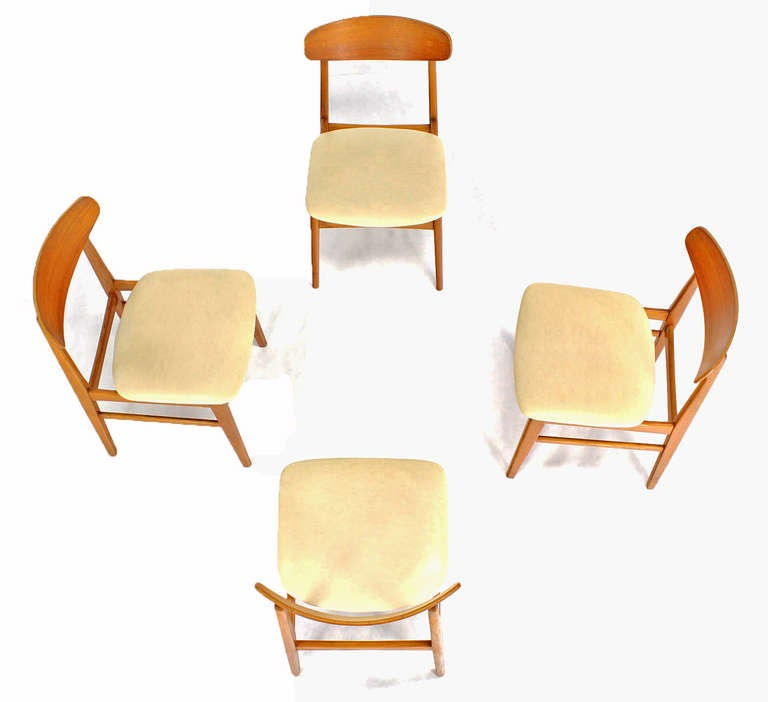 Set Of 4 Danish Mid Century Modern Dining Chairs At 1stdibs