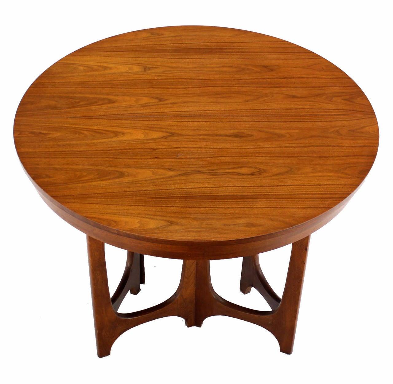 Mid Century Modern Walnut Round Dining Table At 1stdibs