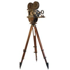 Hand Crank News Reel Camera - Movie Prop