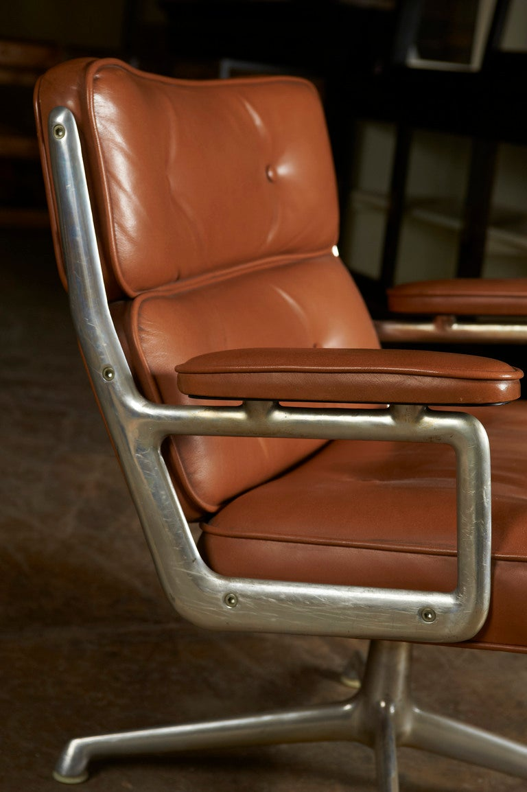 Mid-20th Century Herman Miller swivel Chair, c. 1960