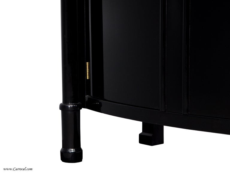 Exquisite Pair Of Hand-rubbed Black Lacquer Armoires Cabinets By Ej Victor In Excellent Condition For Sale In North York, ON