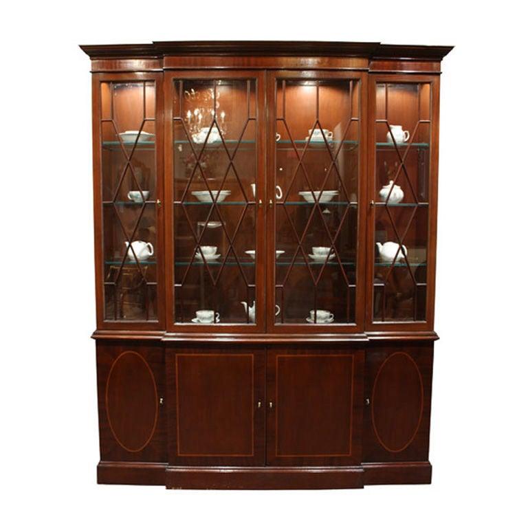 Vintage Mahogany China Cabinet by Baker Furniture 1 - Vintage Mahogany China Cabinet By Baker Furniture At 1stdibs