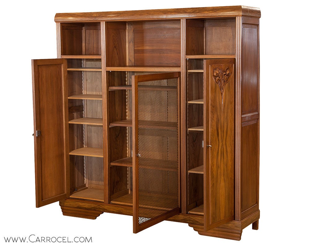 french art nouveau wardrobe for sale at 1stdibs. Black Bedroom Furniture Sets. Home Design Ideas