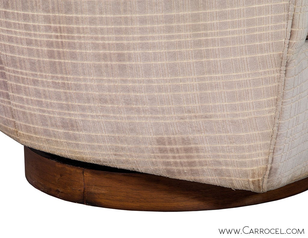 Mid-20th Century Pair of Original Milo Baughman Swivel  Barrel  Chairs For Sale