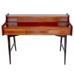 Sleek Mid-Century Modern Writing Desk in the Style of Gio Ponti, 1960s