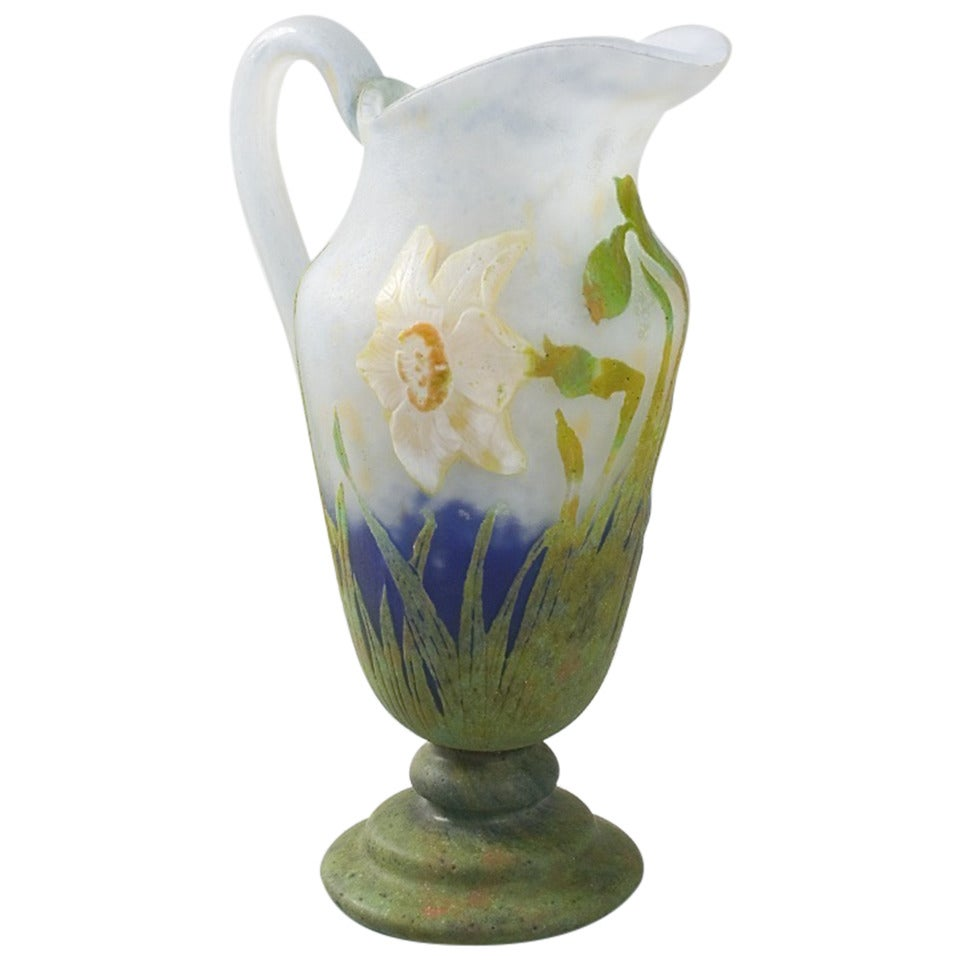 daum nancy french art nouveau cameo glass vase for sale at 1stdibs. Black Bedroom Furniture Sets. Home Design Ideas