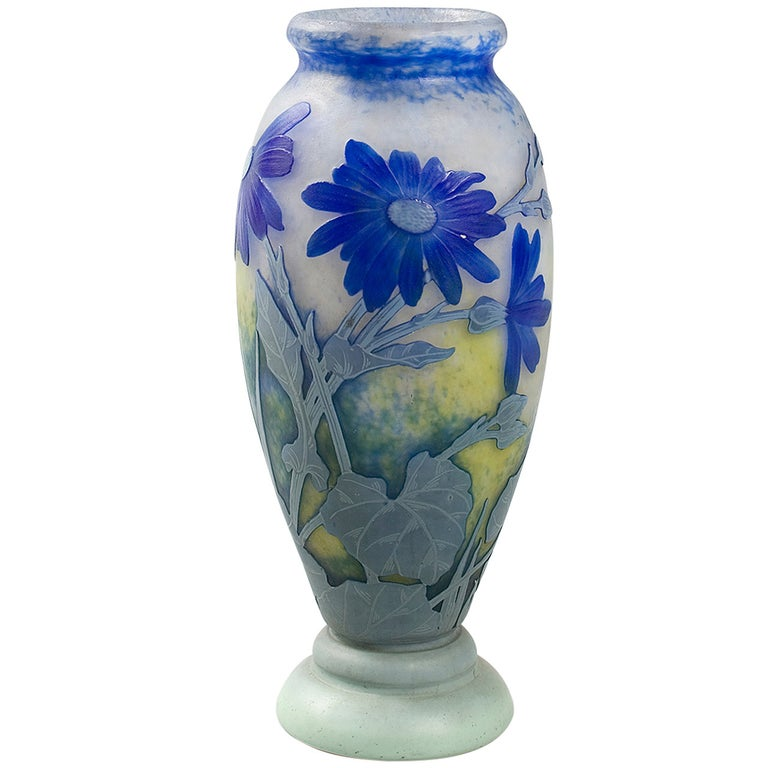 Daum Nancy French Art Nouveau Cameo Glass Vase For Sale