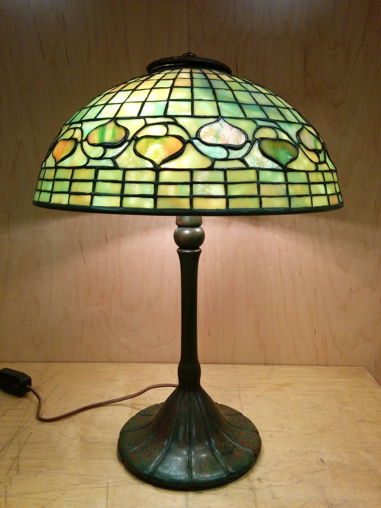 Tiffany Studios Quot Acorn Quot Leaded Glass Table Lamp At 1stdibs