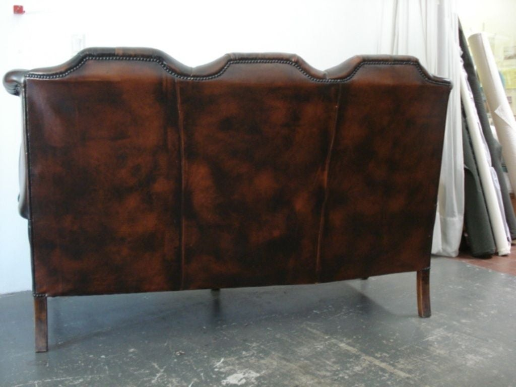 A beautifull and elegant 1930 English sofa, the patina is much nicer in person, please tell us one day in advance if you like to see the couch, it is in my storage  ALL SALES ARE FINAL, STORE CREDIT OR EXCHANGE ONLY