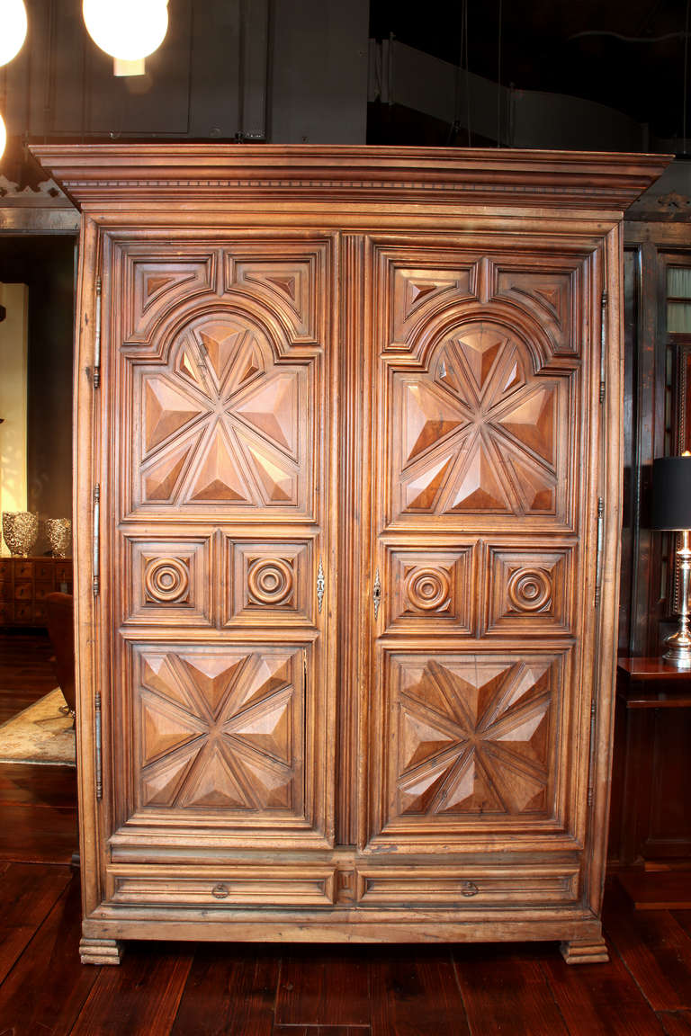 18th century louis xiii french armoire with two drawers at. Black Bedroom Furniture Sets. Home Design Ideas