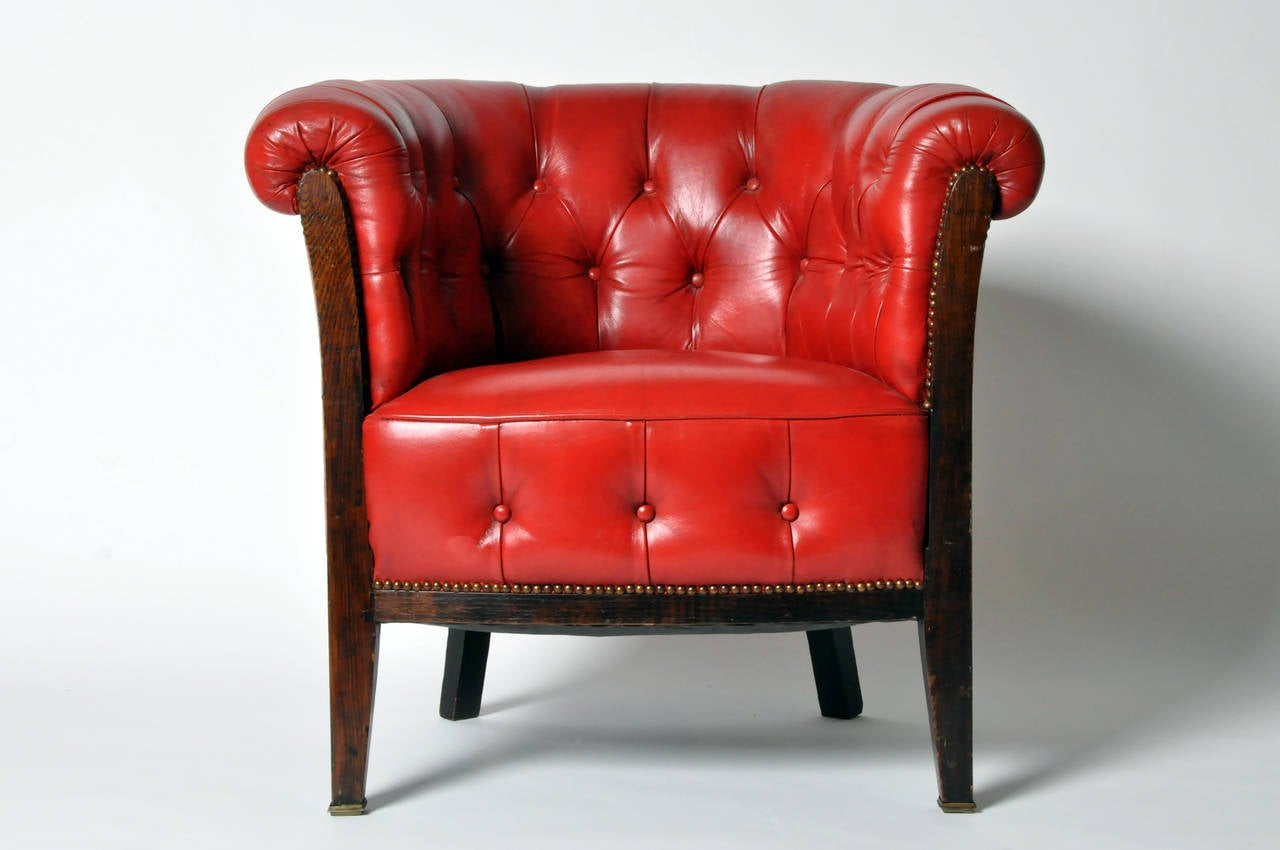 Amazing Vintage Tufted Red Leather Chair 2