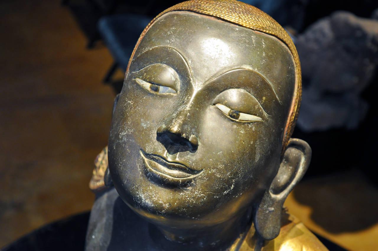 Thai Pair of Patinated Gilt Bronze Buddhist Apostles For Sale