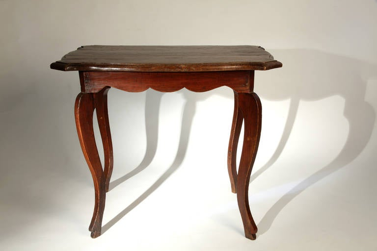 Awesome British Colonial Side Table With Curved Legs 2