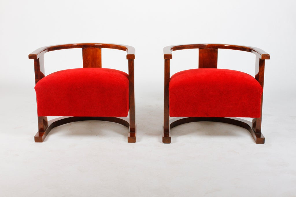 Pair of Art Deco Form Chairs 3