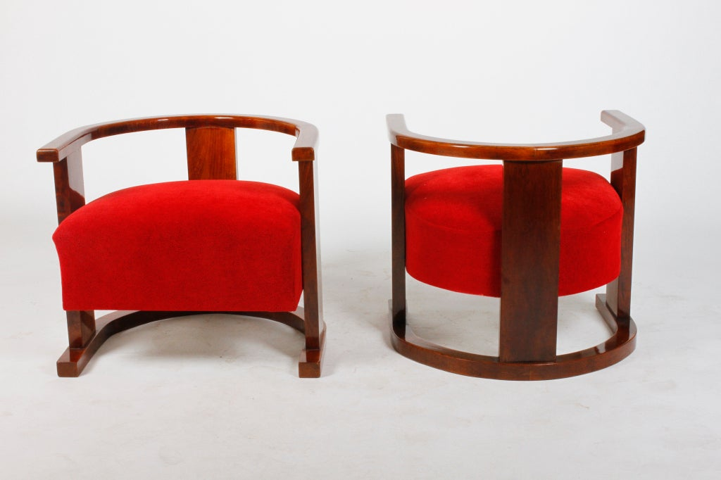 Pair of Art Deco Form Chairs 4