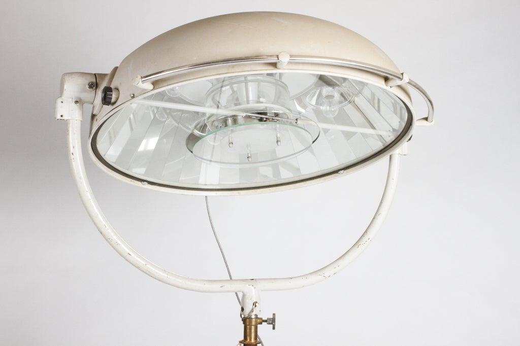 Aluminum Monumental Surgical Lamp