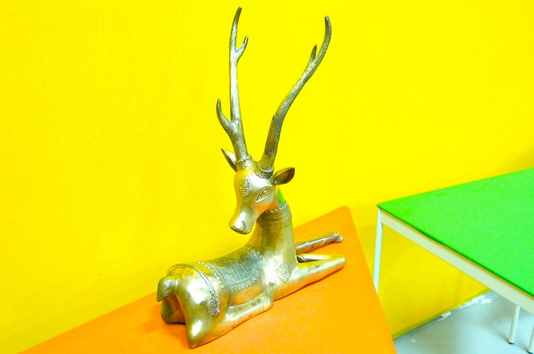 Pair of Brass Resting Deer by Sarreid In Excellent Condition For Sale In Hingham, MA