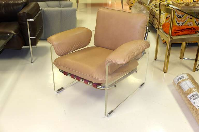 Italian Pace Collection Lucite Lounge Chair For Sale
