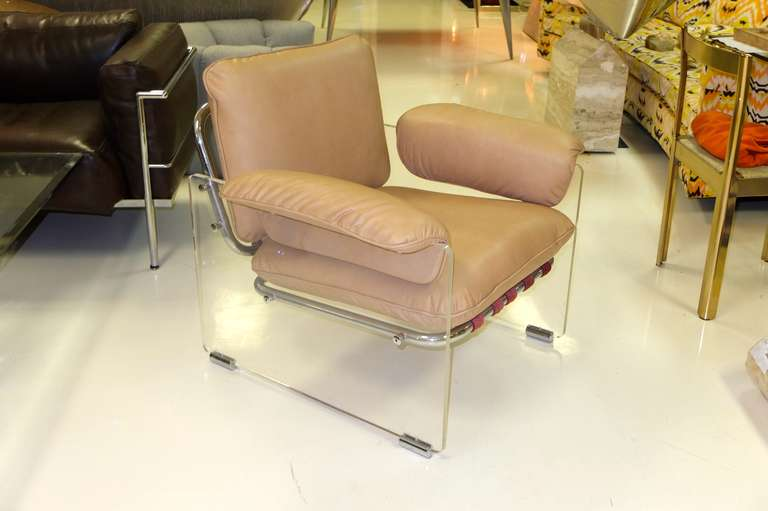 Late 20th Century Pace Collection Lucite Lounge Chair For Sale