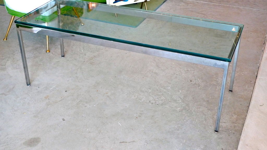 Rectangular chrome frame glass top cocktail table at 1stdibs for Rectangular coffee table with glass top
