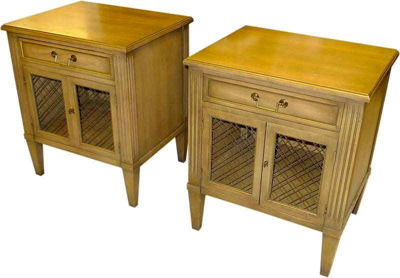 Pair Of Heritage Henredon Bed Side Tables At 1stdibs