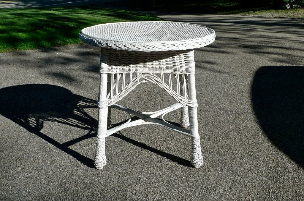 American Antique Wicker Round Table For Sale